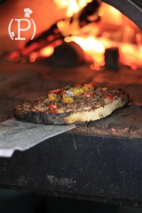 Bruschetta au feu de bois